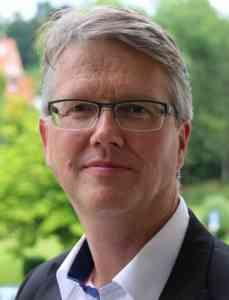 Dr. Dirk Dammann