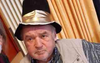 Senior mit Hut